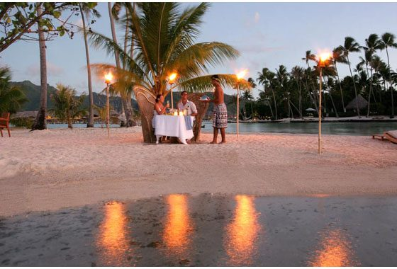 romantic dinner during your vacation in Tahaa