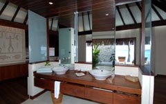Beach bungalows suites with jacuzzi